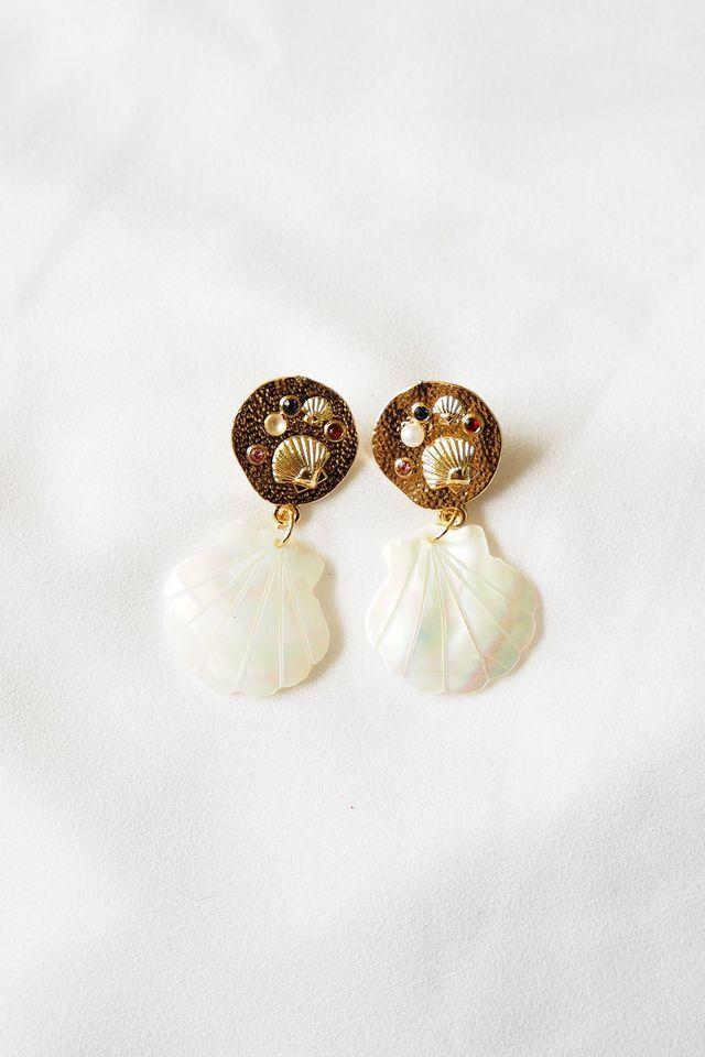 Shelly Seashell Earstuds