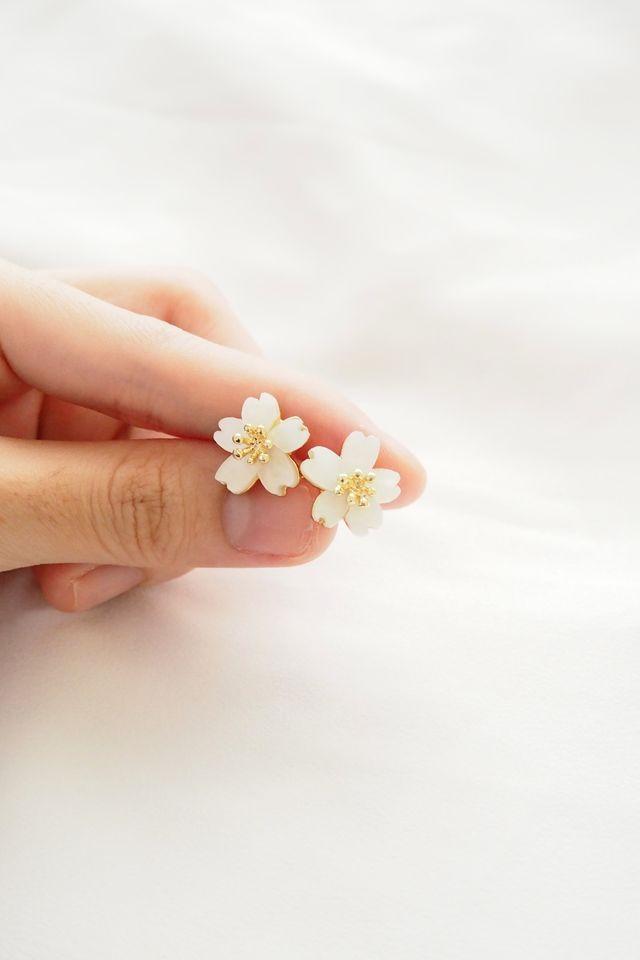 Mini Flower Earstuds