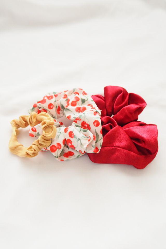 Scrunchies Set (Cherry)
