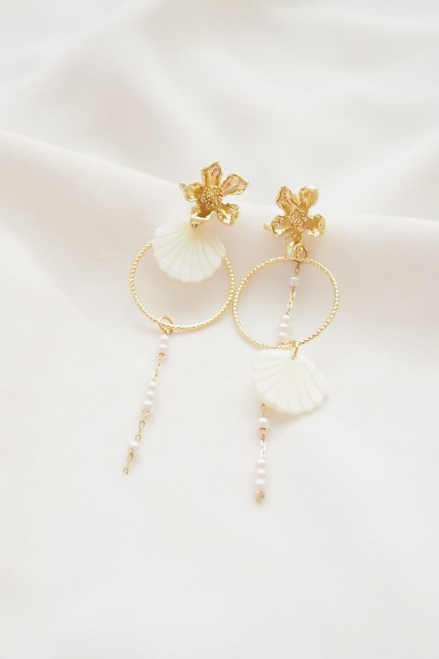 Mismatched Flower Shell Earstuds