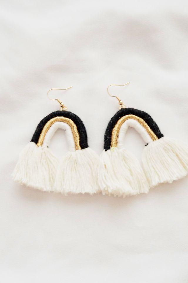 Rainbow Macramé Earrings (Mono)