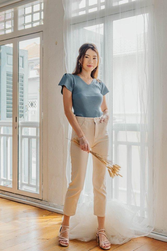 Flutter Sleeve Knit in Tiffany