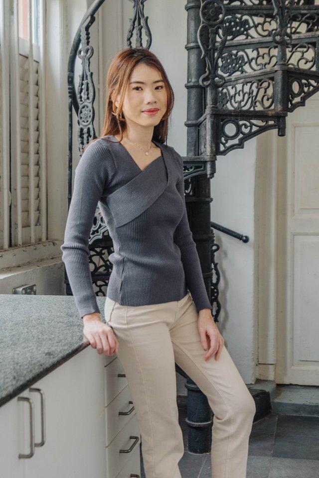 Alyeen Knit in Grey