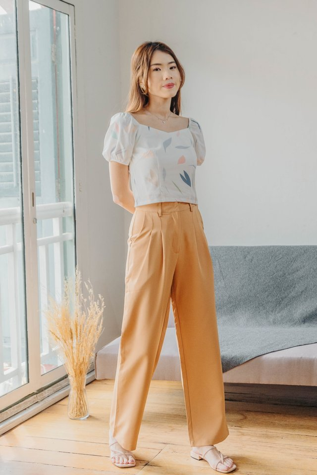 Revelyn Two Way Top in White [L]