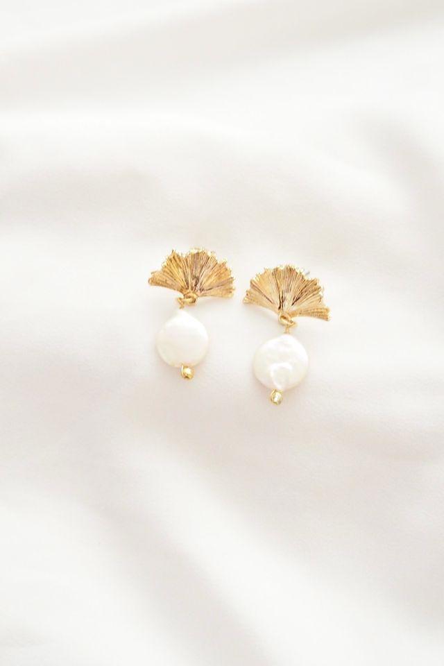 Fleur Pearl Drop Earstuds