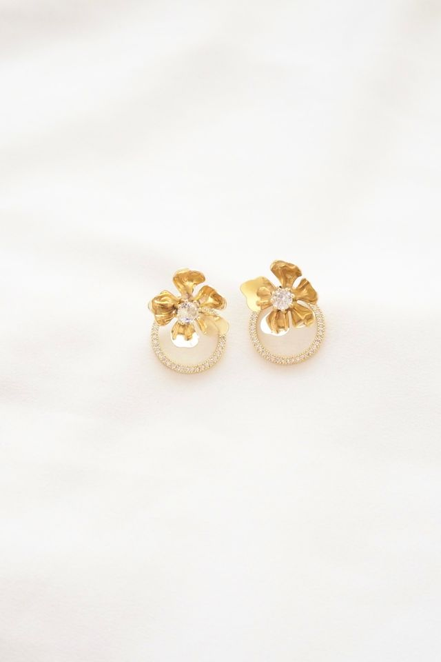 Nelyssa Two Way Flower Earstuds