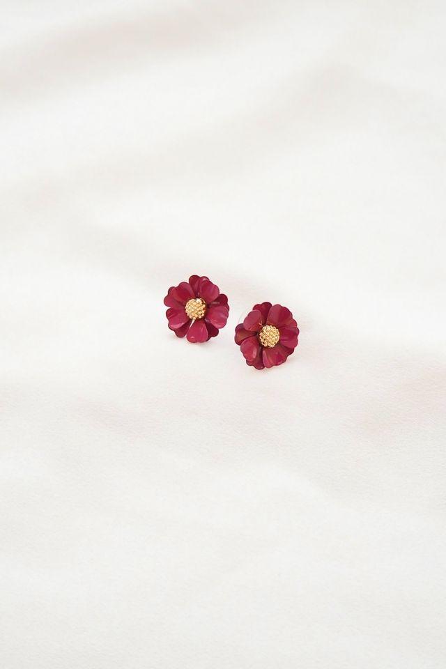 Demi Flower Earstuds in Berry