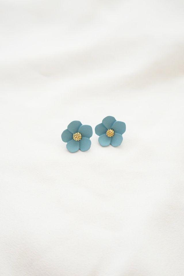 Juli Flower Earstuds in Blue
