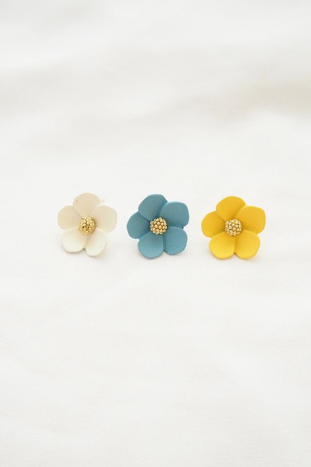 Juli Flower Earstuds in Blue