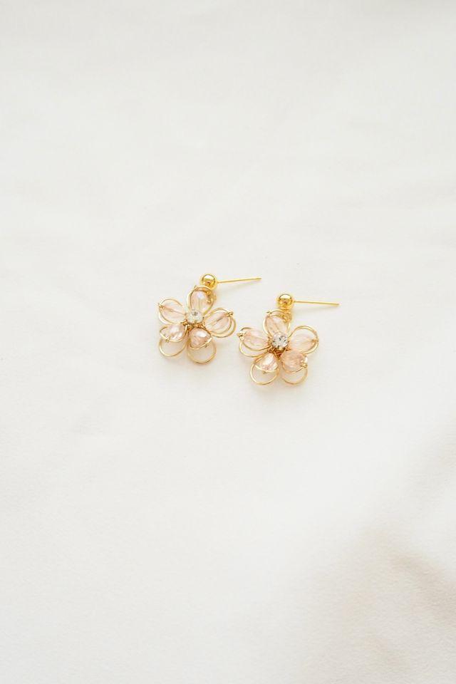 Hussey Flower Earstuds in Light Pink