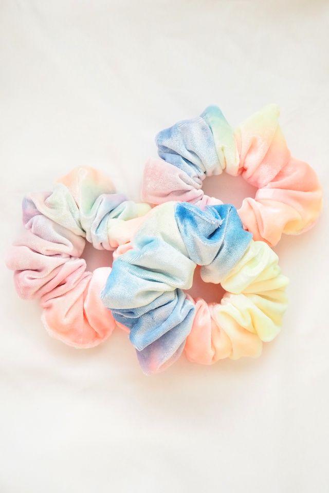 Scrunchie in Velvet Rainbow