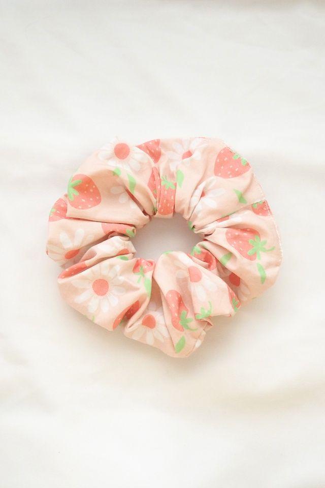 Scrunchie in Strawberry