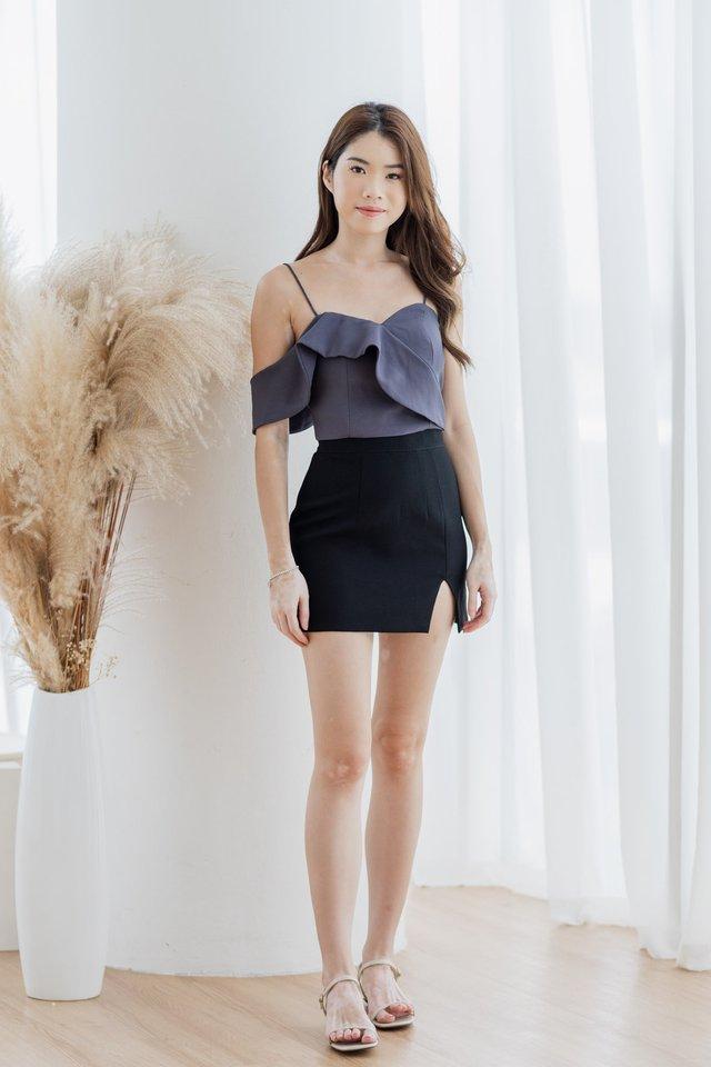 Slit Skirt in Black