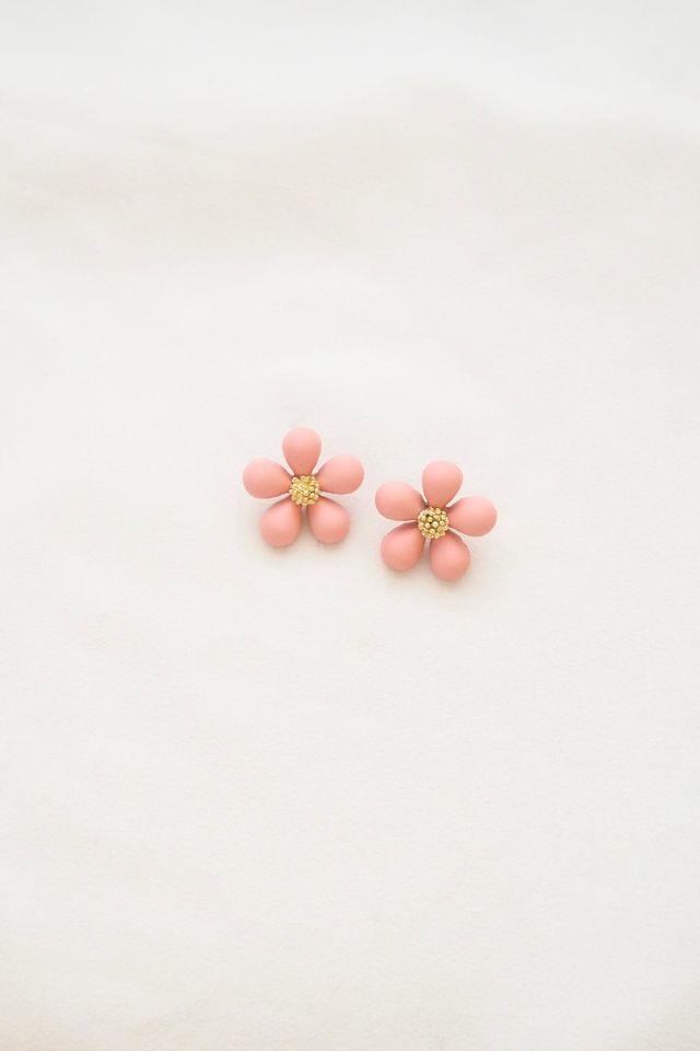 Paisley Flower Earstuds in Pink
