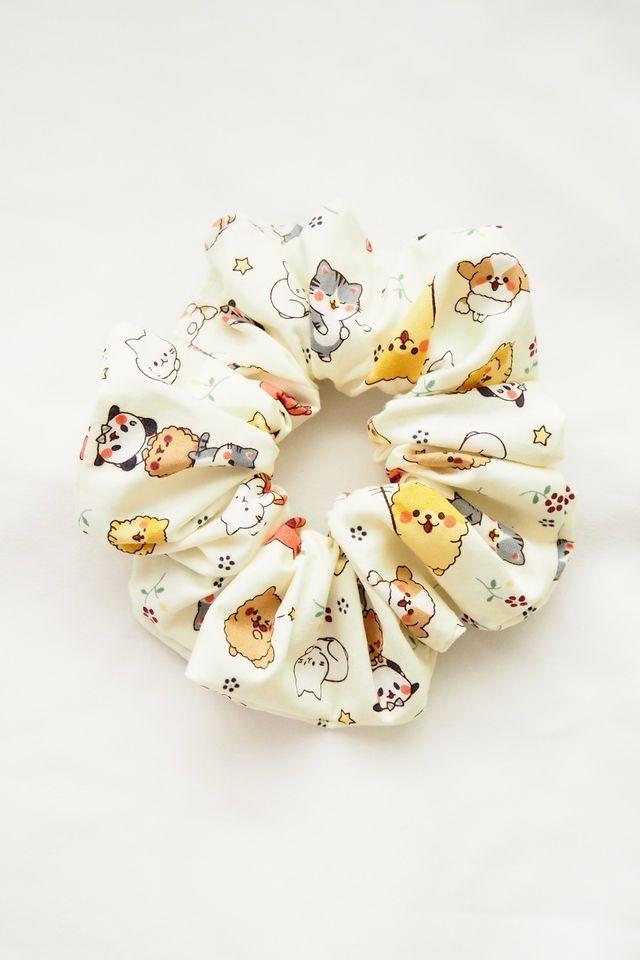 Scrunchie in Cute Pets
