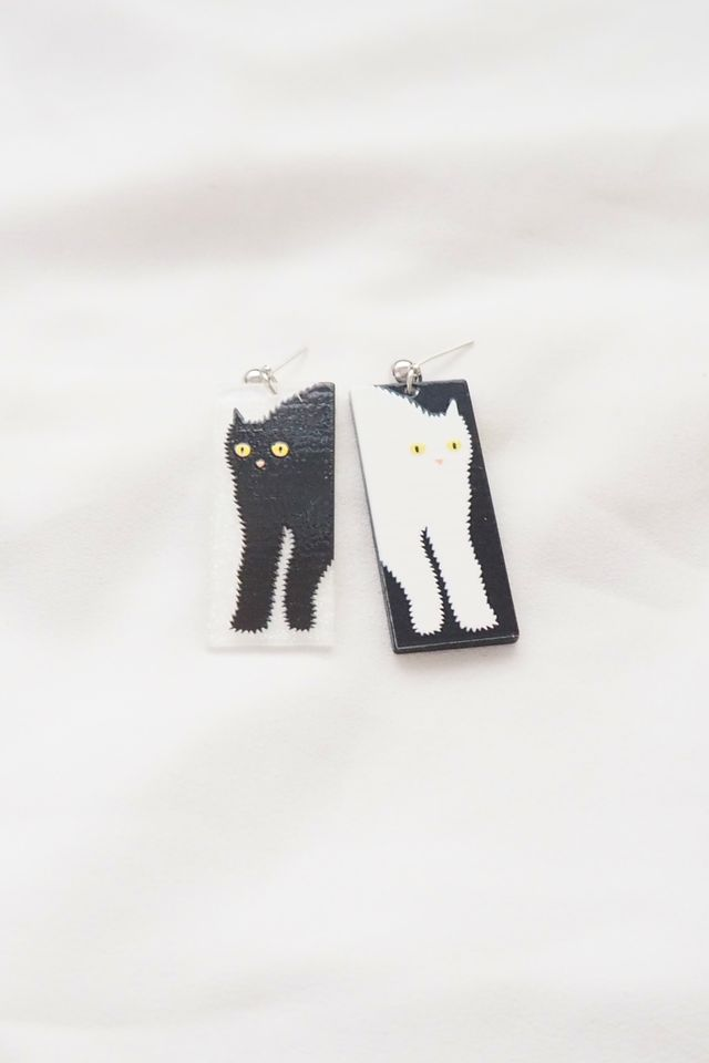 Mismatched Cat Earstuds