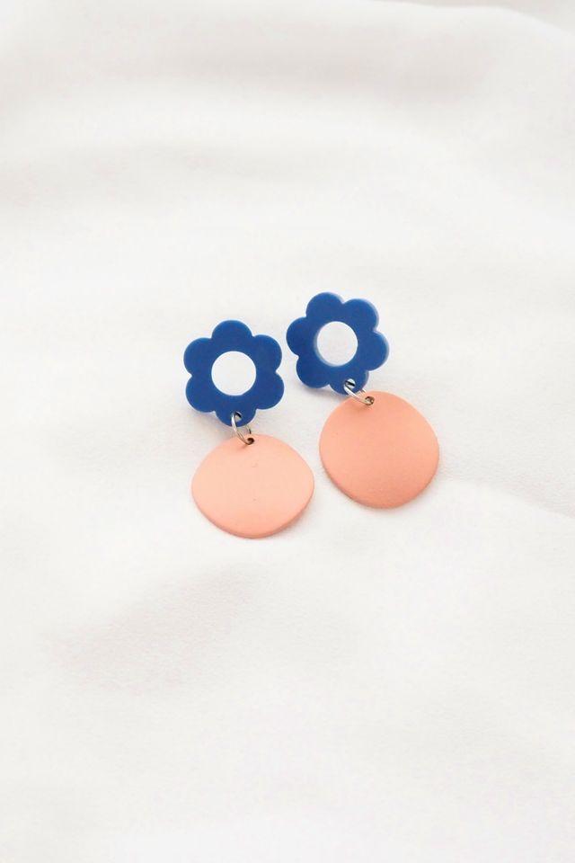 Flower Charm Earstuds in Blue
